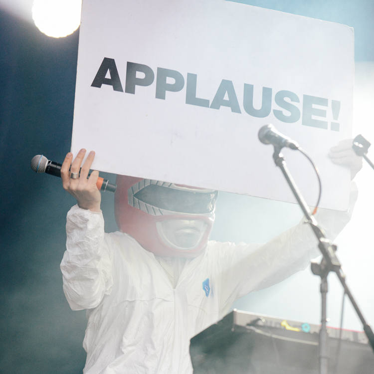 Super Furry Animals Kendal Calling photos, review, setlist